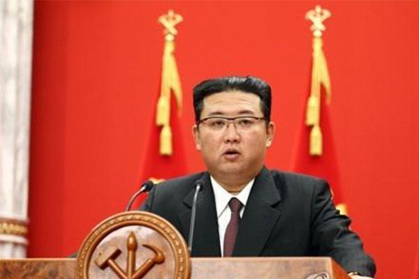 金委員長 「主敵は、戦争そのもので、韓米ではない」