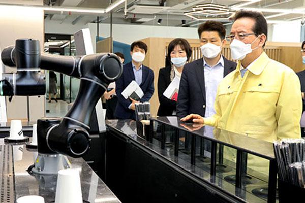 Xuất khẩu công nghệ thông tin và truyền thông Hàn Quốc tháng 9 cao kỷ lục