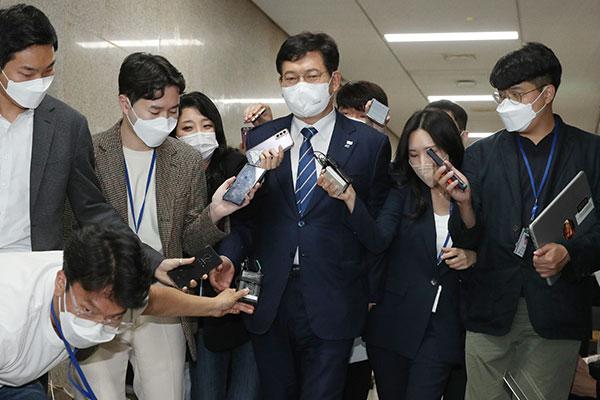 Đảng cầm quyền bác kháng nghị của ông Lee Nak-yon về kết quả bầu ứng cử viên Tổng thống