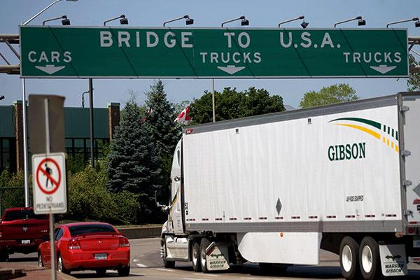 Mỹ cho phép người nước ngoài hoàn tất tiêm phòng COVID-19 nhập cảnh qua đường bộ và đường biển