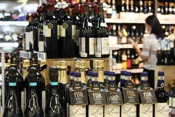 輸入ワインが大人気 ビールの輸入額の2.5倍へ