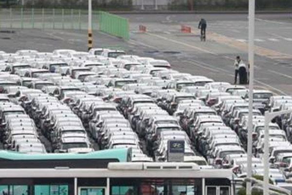 Producción de automóviles sufre mayor caída en trece años