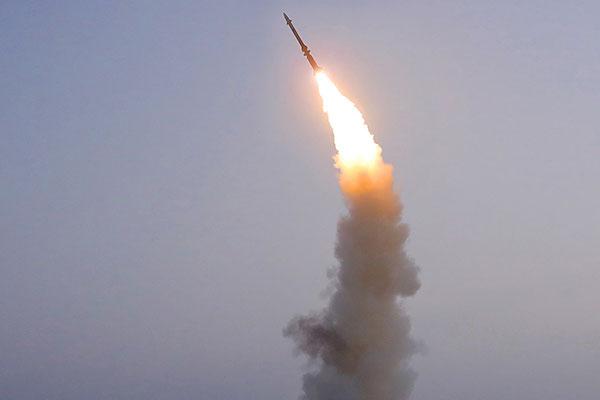 كوريا الشمالية تطلق قذيقة مجهولة الهوية نحو البحر الشرقي