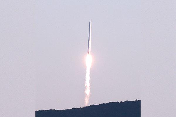В РК запущена первая отечественная ракета-носитель