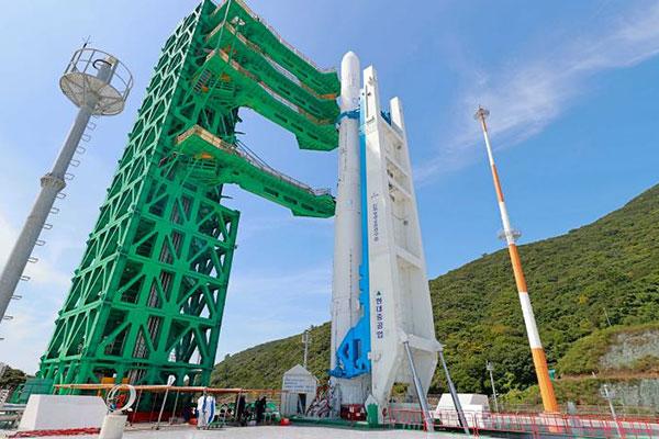 Lancement de la première fusée sud-coréenne : un succès mitigé et des défis à relever