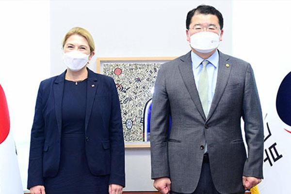 اجتماع بين نائبي وزيري الخارجية الكوري والسويدي في سيول