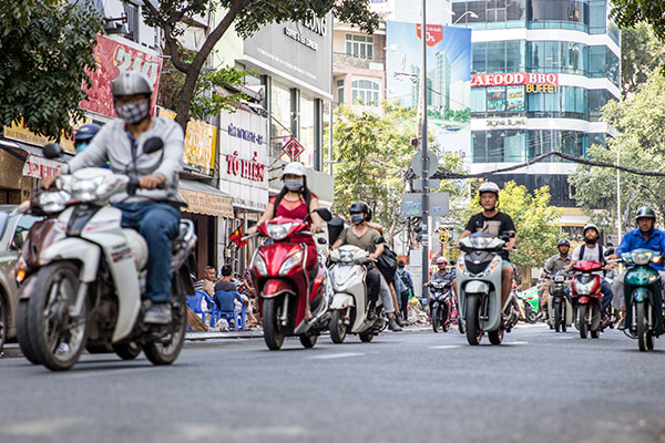 En Indonésie, des motocyclettes électriques pour lutter contre la pollution de l'air
