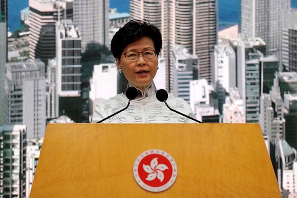 Hongkongs Regierungschefin entschuldigt sich