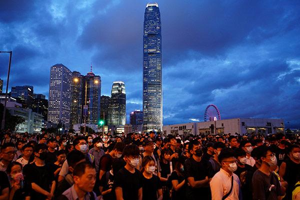 Schwelende Proteste in Hongkong: Reiche bringen Vermögen in Sicherheit