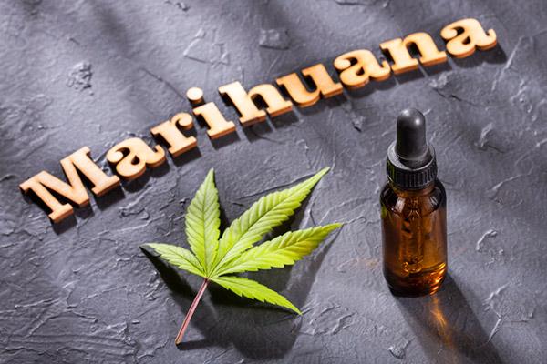 Erste Klinik in Bangkok verschreibt Cannabisöl