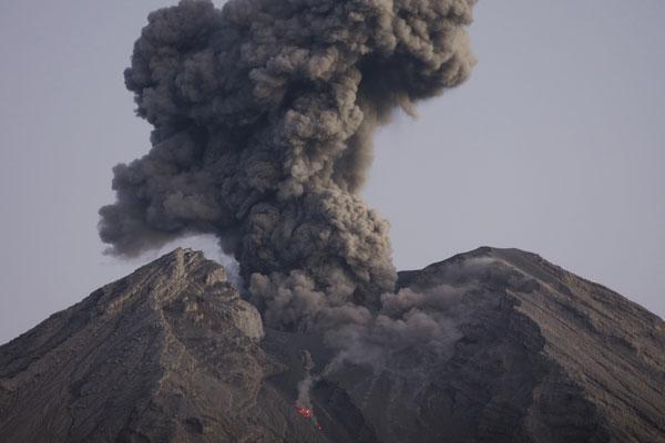 Les Philippines fabriquent des briques avec les cendres volcaniques