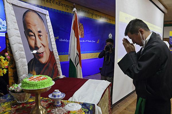 Der Dalai Lama feierte im Exil seinen 85. Geburtstag