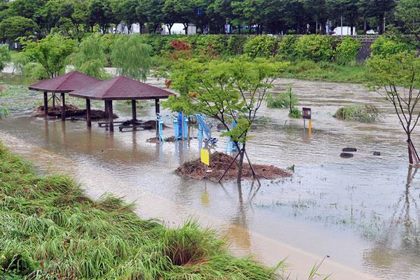 Des pluies torrentielles partout en Asie