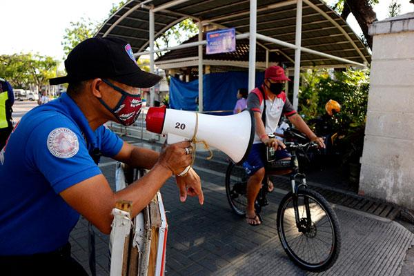 COVID-19 : les Philippines rendent obligatoire le port de la visière dans les transports en commun