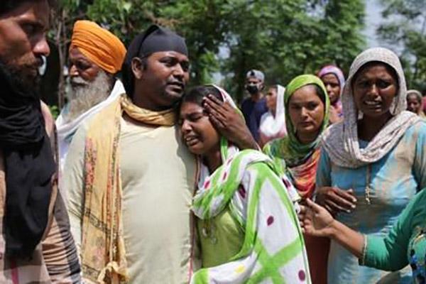 Indien: Dutzende Tote durch selbst gebrannten Alkohol