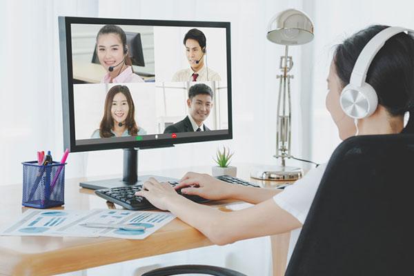 Les sociétés japonaises maintiennent leur culture hiérarchique dans les vidéoconférences