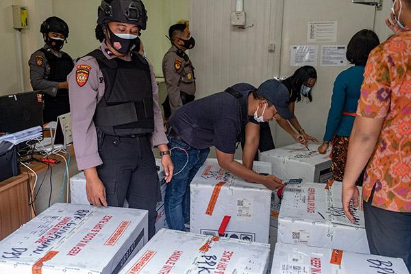 L'Indonésie vaccine d'abord la population active