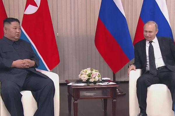 Kim Jong-un et Vladimir Poutine tiennent leur premier sommet