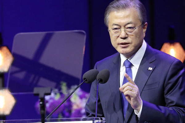 Moon Wraps Up Tour Of Northern Europe