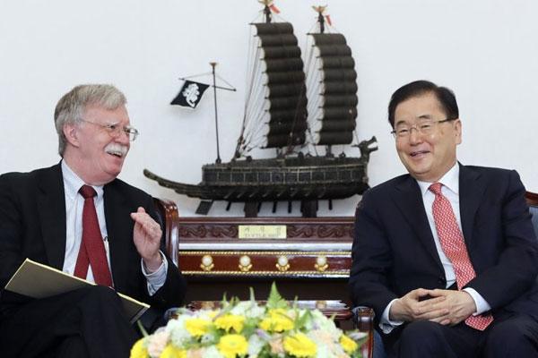 Seúl y Tokio en tensión por las restricciones