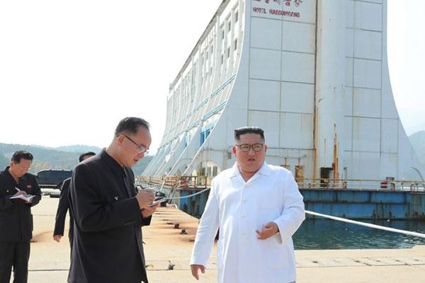 Lãnh đạo Bắc Triều Tiên lệnh dỡ bỏ hạ tầng của miền Nam trên núi Geumgang