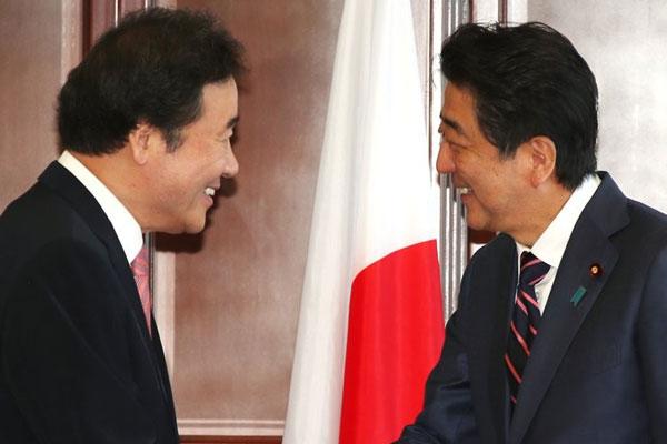 韓日首相が会談