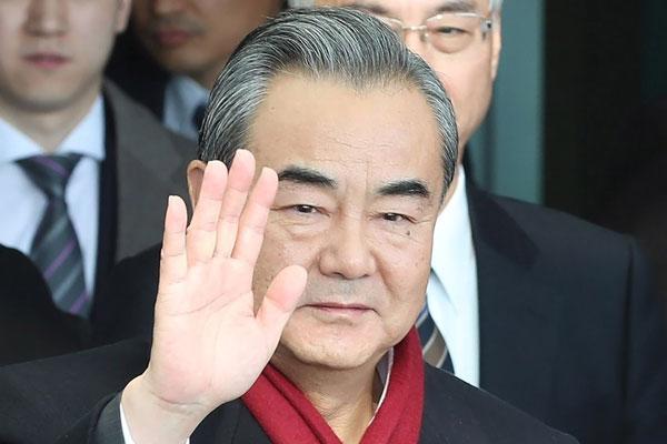 Präsident Moon empfängt chinesischen Außenminister Wang Yi