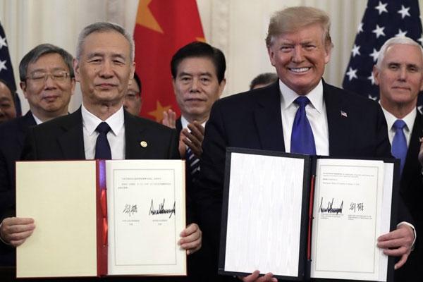 توقيع المرحلة الأولى من الاتفاقية التجارية بين الولايات المتحدة والصين
