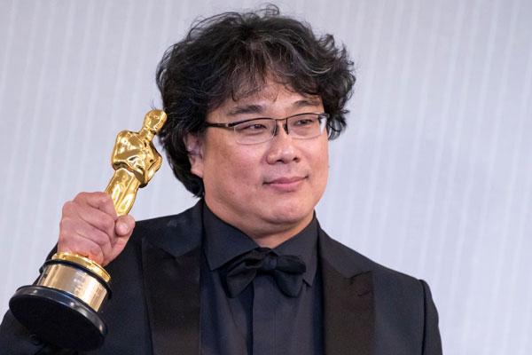 « Parasite » triomphe aux Oscars en réalisant un quadruplé historique