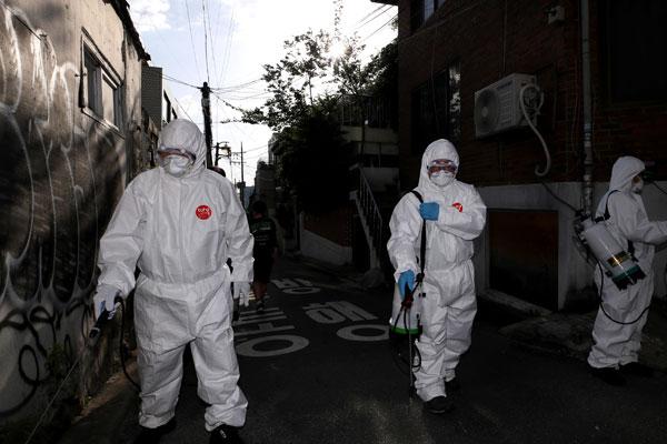 Infeksi Massal COVID-19 dari Klaster Itaewon, Seoul dan Penundaan Masuk Sekolah di Korsel