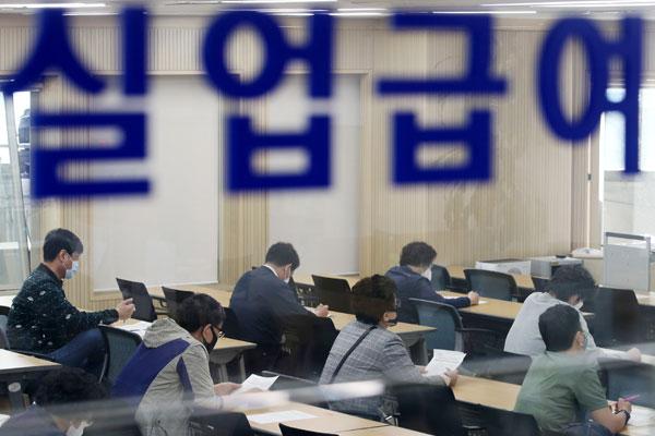 新冠病毒疫情冲击韩国就业市场