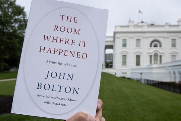 Les mémoires de John Bolton jettent un pavé dans la mare