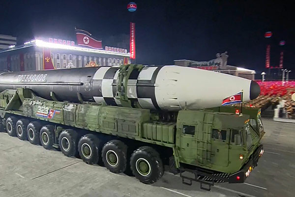 كوريا الشمالية تكشف عن صاروخ باليستي جديد