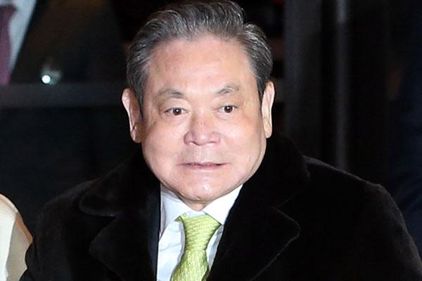 サムスンの李健熙会長が死去
