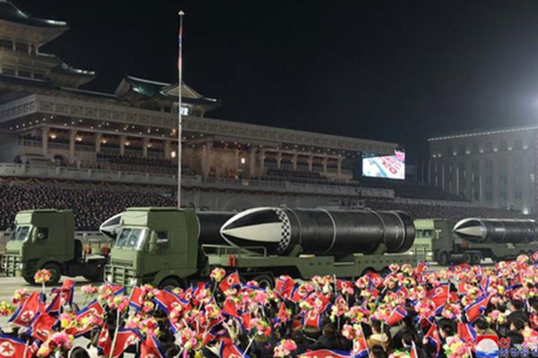 N. Korea Showcases New SLBM in Military Parade to Mark Party Congress