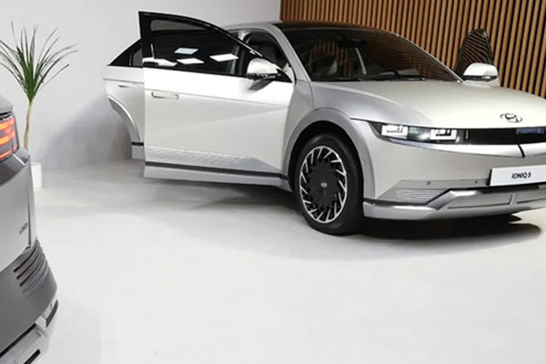 현대자동차의 새 전기차 '아이오닉5'
