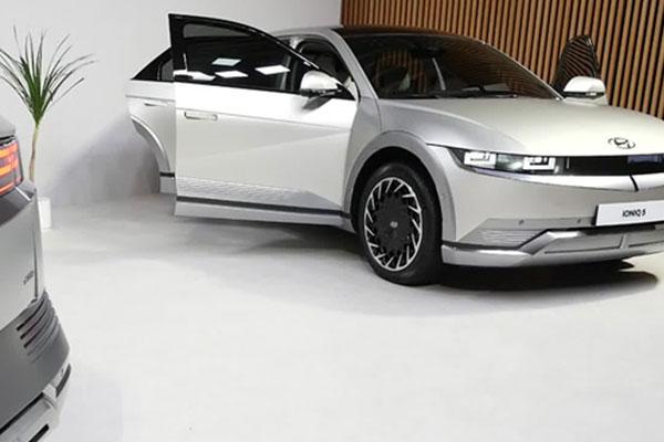 现代汽车发布纯电动汽车艾尼氪5