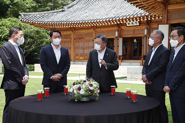 Präsident Moon will Begnadigung des Samsung-Vizevorsitzenden offenbar nicht ausschließen