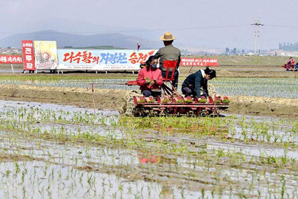 북한 국제사회에 식량난 첫 '고백'