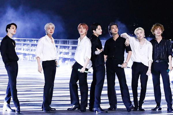 K-pop Fandustry