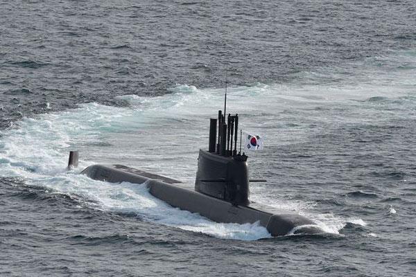 نجاح كوريا الجنوبية في اختبار إطلاق صاروخ باليستي من غواصة