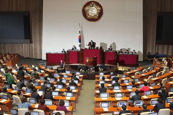 [정치] 검찰개혁법안•유치원3법 통과…패스트트랙 정국 마침표