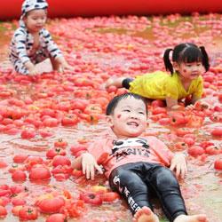 В томатный басейн!