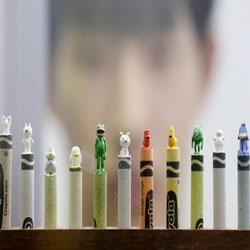 Mô hình điêu khắc tí hon từ bút màu