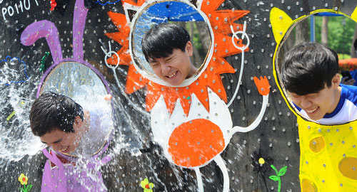 Water Balloons a Regular Feature at Spring Festivals