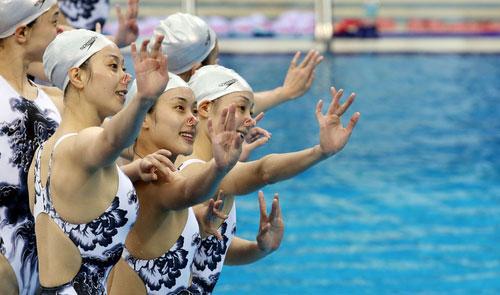 N. Korean Swimmers