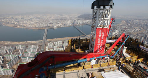 Lotte World Tower Rises to 100th Floor