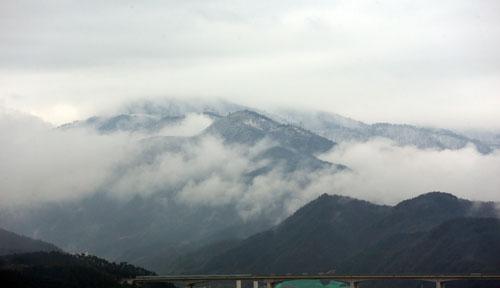 Pemandangan Indah Pegunungan