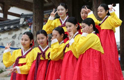 Ritual del paso a la adultez en Hanok Village