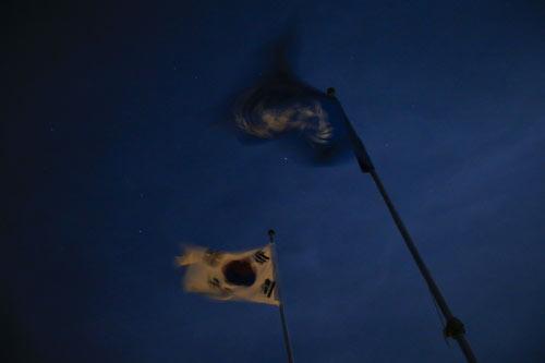 灯火通明的DMZ警戒线地区